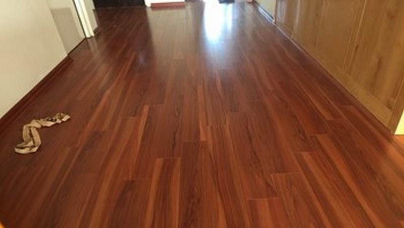 Màu sàn gỗ cánh dán