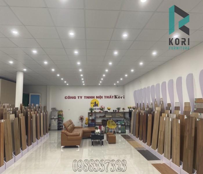 Cửa hàng lam sàn gỗ tại Hà Nội