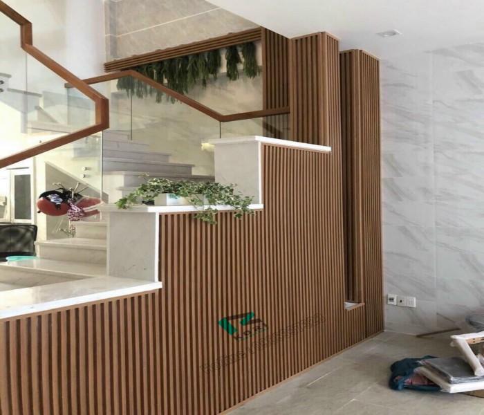 Ốp chân tường gỗ nhựa