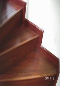 cầu thang, cầu thang gỗ công nghiệp