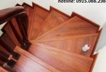 Giá mặt bậc cầu thang gỗ công nghiệp
