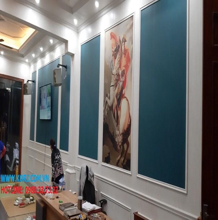 tường nhựa vân gỗ cho phòng khách