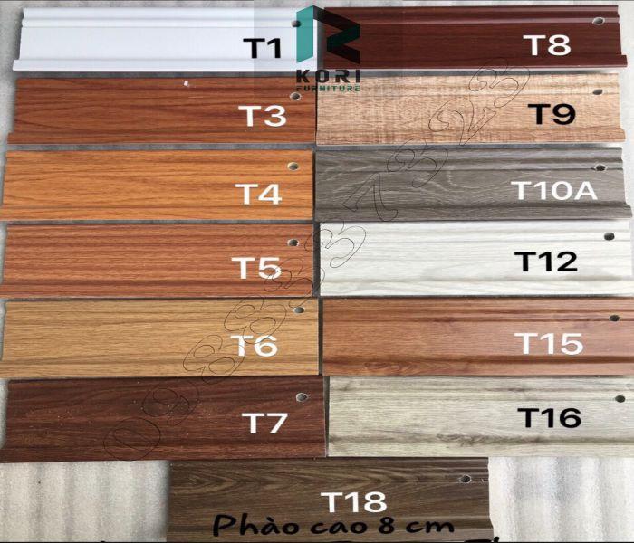 Giá phao chân tường nhựa giá gỗ