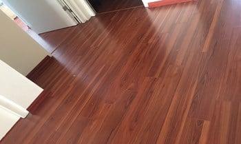 Sàn gỗ công nghiệp vinasan có tốt không