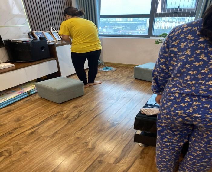 ván sàn gỗ cho phòng khách, có nên lát sàn gỗ cho phòng khách,