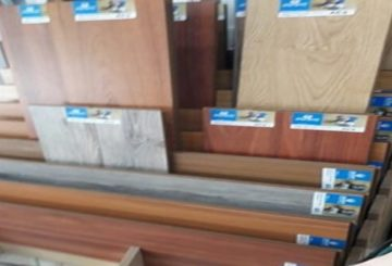 Cửa hàng sàn gỗ tại Tiền Châu, Hương Canh