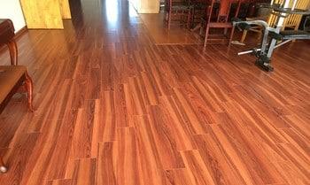 Lựa chọn sàn gỗ giá rẻ cao cấp cho nhà bếp sang trọng