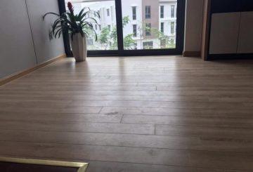 Bán buôn bán lẻ sàn gỗ công nghiệp nhập khẩu từ Malaysia