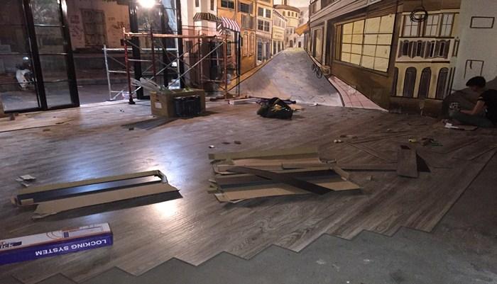 Lắp đặt sàn nhựa tại Hà Nội, sàn nhựa hèm khóa hàn quốc, báo giá sàn nhựa vân gỗ có hèm khóa,