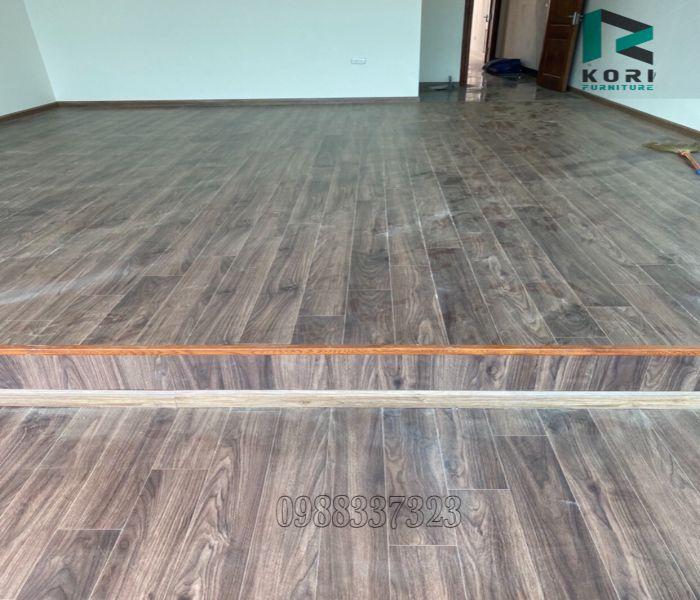Ứng dụng của sàn gỗ Làm Bục