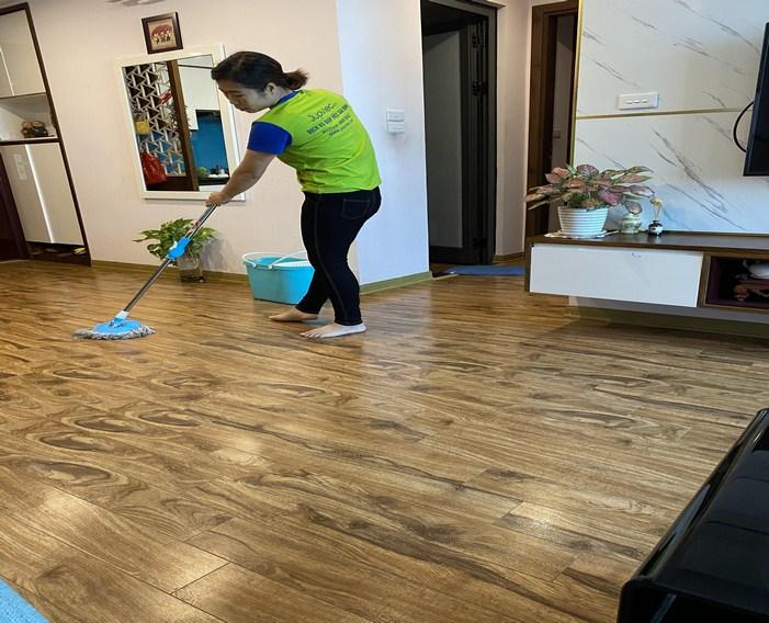 Cách vệ sinh sàn gỗ công nghiệp đúng cách năm 2020