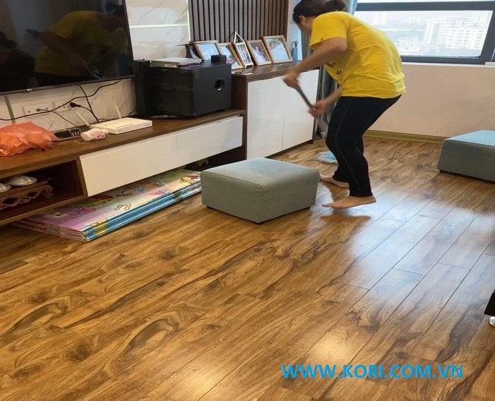 xu hướng lựa chọn sàn gỗ cho phòng khách sang trọng năm 2020