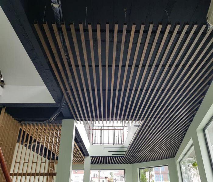 Thanh lam gỗ nhựa ốp trần