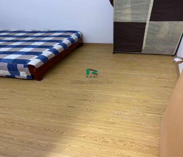 Thi công sàn gỗ nhựa